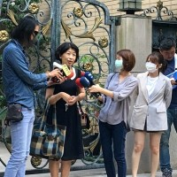 Taipei mayor's wife defends controversial comments against health minister