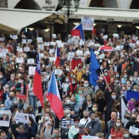 Taiwan flag appears at Czech protest