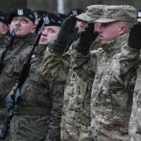 烏龍軍事占領抗疫?捷克民眾教堂外驚見波蘭軍隊