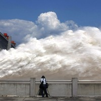 Expert warns China's Three Gorges Dam in danger of collapse