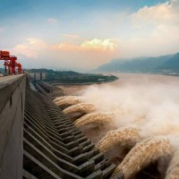 Water levels at China's Three Gorges near maximum after flooding rains
