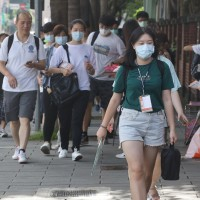 Taiwan may give pupils 'heat days'