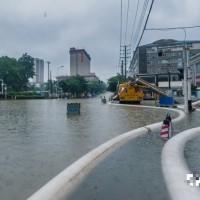 Heavy rain, flood warnings issued for Wuhan, Shanghai