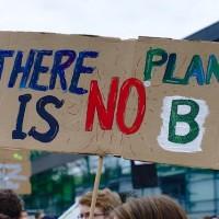 簡又新專欄 – 解決氣候緊急狀態的成敗關鍵:永續金融策略