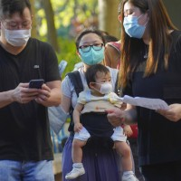 更新!香港爆發第三波疫情 官員承認疫情失控 武漢肺炎確診數破1500例