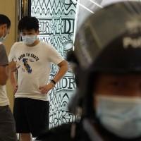 香港7月暴增逾600例武漢肺炎 港府23日起擴大實施「口罩令」