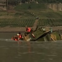 Video shows Chinese 'amphibious' tank sink in 30 seconds