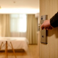 Non-designated hotels found accepting 697 quarantined guests in Taipei
