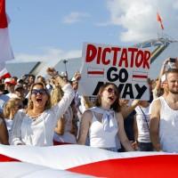 面對輿論壓力 白俄羅斯總統傳準備修憲公投後交出權力