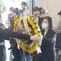 台灣總統金門追悼八二三砲戰將士 美國在台協會處長首度出席意義重大