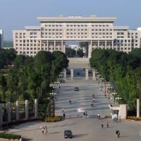 扯!中國廣西大學「女生安全攻略」禁止「穿著暴露」 荒謬服儀規定引眾怒