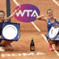 Taiwan's Hsieh claims Rome title with Czech partner