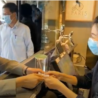 Taiwan president drops by beverage shop to order 150 cups of tea