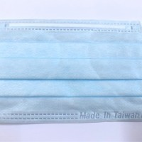 台灣經濟部:雙鋼印實名制口罩24日開賣 盒裝須等到11月