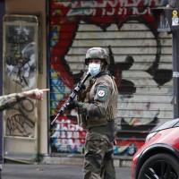 法國再傳恐怖攻擊?巴黎當街砍人釀2傷