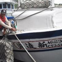 【更新】台灣漁船在「釣魚台海域」撿拾漁具、遭日本公務船無預警衝撞  蘇澳漁民群情激憤