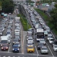 中秋連假將結束北返車潮湧 台灣高公局:用路人宜提早出門