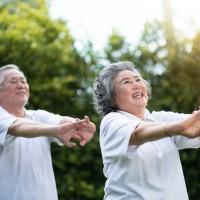 台灣骨鬆學會:蛋白質、鈣質攝取不足又欠缺運動 恐造成老年失去自理能力