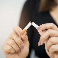 青壯年竟罹患黃斑部病變 台灣眼科醫:抽菸會加速眼疾發生率