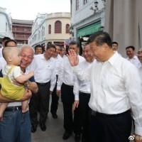 習近平訪廣東潮州企圖展現「親和力」 、遭爆「街坊鄰居」都是臨時演員