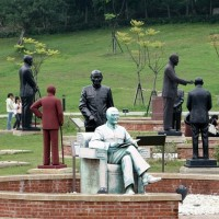 Taiwan has removed nearly 70% of its Chiang Kai-shek statues, authoritarian symbols