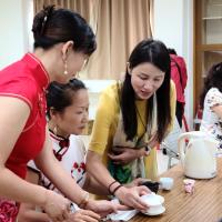 台灣移民署台南推廣多元文化 邀新住民「品茶賞藝吃元寶」