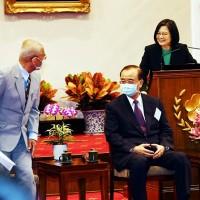 台灣捐血率世界第一 蔡總統籲年輕人捲袖加入