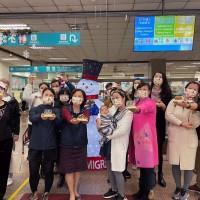 台北移民署攜台灣新住民共度聖誕佳節 搭甜蜜薑餅屋如同經營家庭
