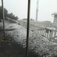 更新【今天冬至】台灣入冬首次降雪: 雪山積雪2公分 玉山一度累積0.5公分