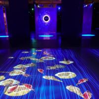 台灣故宮打造18公尺奇幻海底隧道 走入宋代山水及梵谷筆下浪漫星空
