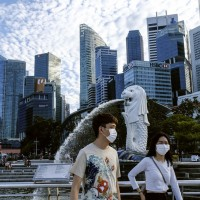 Singapore banks see influx of Hong Kong capital
