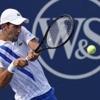 【影】網球「球王」喬科維奇誤擊線審喉部 遭判失格美網16強賽
