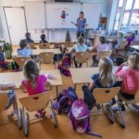 開學啦! 不顧疫情升溫 歐洲各國強制學童回歸校園