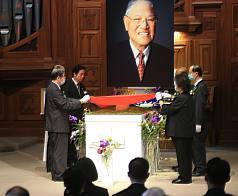 追悼前總統李登輝 達賴喇嘛:欽佩他守護台灣民主自由