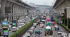 Traffic spikes forecast on nation's freeways as holiday ends