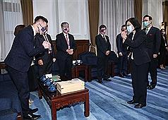 接見北美台商代表 蔡英文:盼台商協助促成台灣、美國BTA