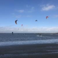 中台灣大安濱海樂園 風箏衝浪傳落海意外