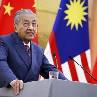 Biden likely to improve ties with Asia, end 'silly trade war': Mahathir