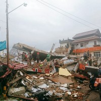 【更新】印尼蘇拉威西6.2淺層強震 至少67死逾8百人傷、包括飯店與醫院在內多棟建築倒塌