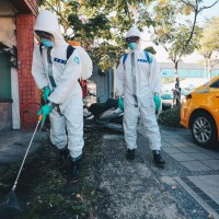 桃園「2疫調人員」驚傳發燒 2採結果出爐 衛生局急封樓消毒