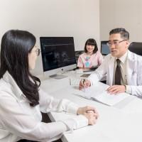 想懷孕 子宮肌瘤留不留?生殖學醫師:輕易動刀 反而更難孕!