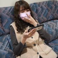 Taiwanese woman experiences eye floaters after binge-watching K-drama