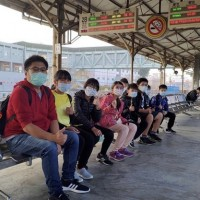 Taiwanese children self-finance graduation trip
