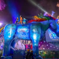台灣客家親子劇十公尺、七噸《雨馬》亮相 三面舞台噴火特技台北首演