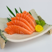 為吃免費壽司台灣多人改名「鮭魚」 內政部:沒抓準3次額度•當心「實至名鮭」