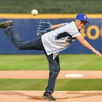 Oscar winner Ang Lee throws out first pitch at Taiwan baseball game