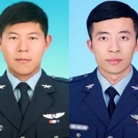 【更新】台灣空軍兩架F-5E墜海•飛官潘穎諄仍失蹤 軍方不放棄任何機會•水上摩托車也加入搜救行列