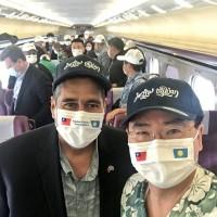 Palauan president sports ambigram cap during visit to Taiwan