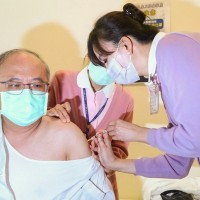 Taiwan to offer COVID vaccine to 2nd, 3rd priority groups