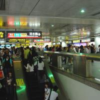 【最新足跡】台灣確診者曾至台北松山區印度餐廳、搭乘262公車捷運上下班  5/12前出現症狀請盡速就醫